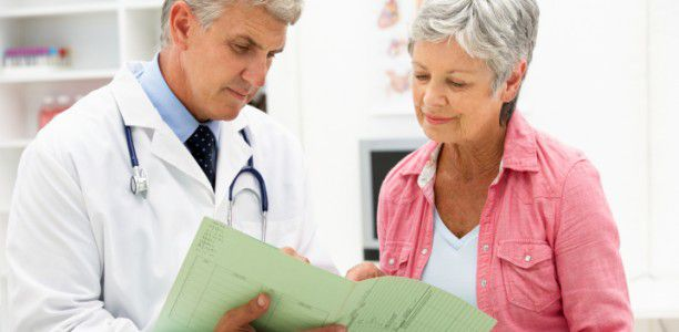 Mothers' age at menopause may predict daughters' ovarian reserve